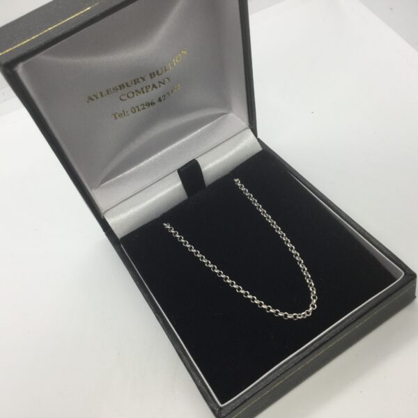 9 carat white gold round belchar chain
