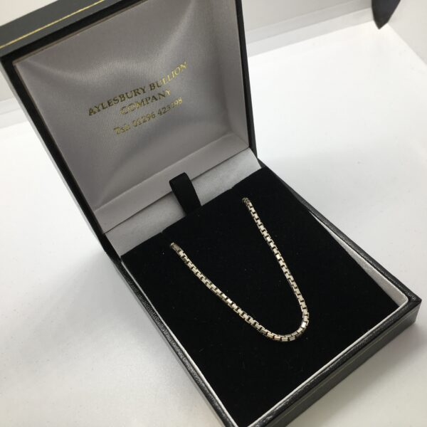 Sterling silver diamond cut box chain