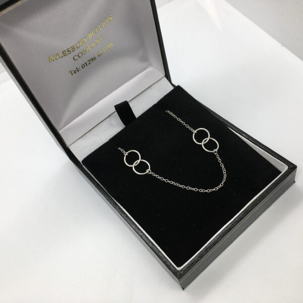 Sterling silver circle linked necklace