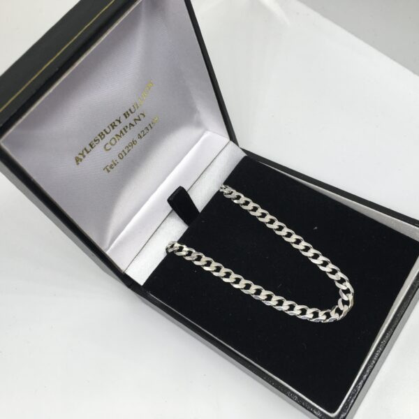 Preowned 9 carat white gold curb chain