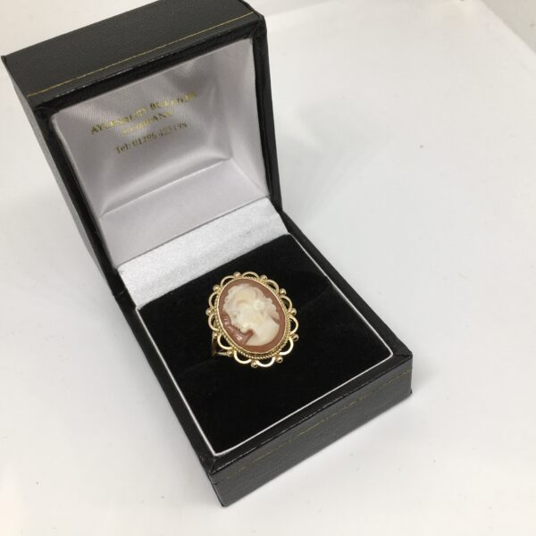 Preowned 9 carat yellow gold cameo ring