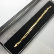 9 carat yellow gold curb link bracelet