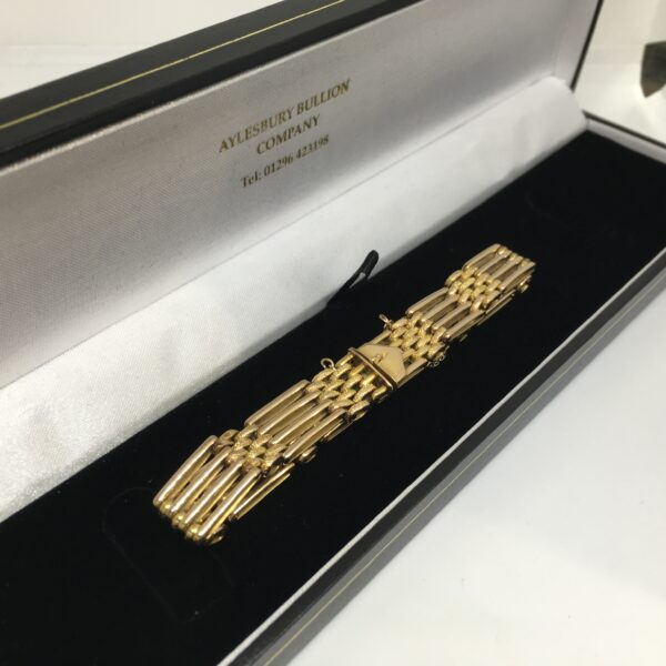 Preowned 9 carat yellow gold gate bracelet