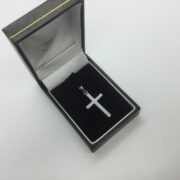 9 carat white gold cross pendant