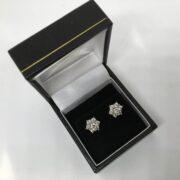 Preowned 18 carat yellow gold diamond stud earring