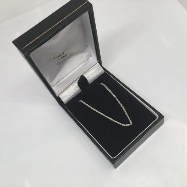 9 carat white gold spiga chain