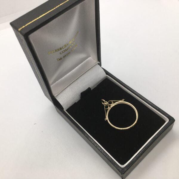 9 carat yellow gold 1/2 sovereign pendant mount
