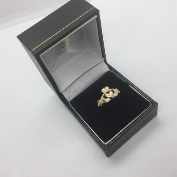 Preowned 9 carat yellow gold cladder ring
