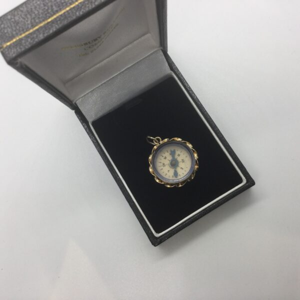 Preowned 9 carat yellow gold compass charm