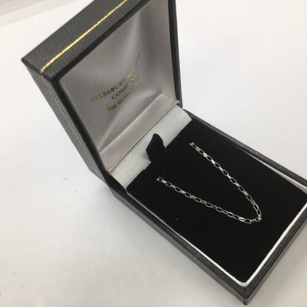 9 carat white gold diamond cut belchar chain